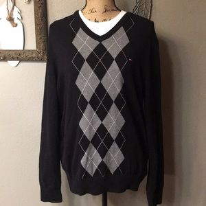 Men's NWOT Tommy Hilfiger Black Argyle V-Neck Lg